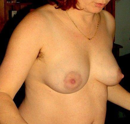 Je trouve ses bouts de seins attirants...